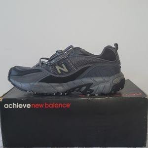 New Balance 805 Sneakers